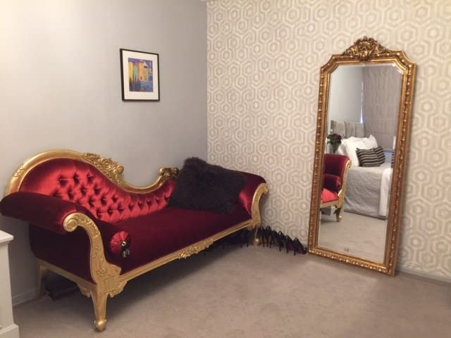 Spacious double room for 2 guests