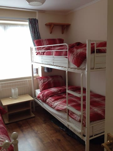 Cosy room close to London