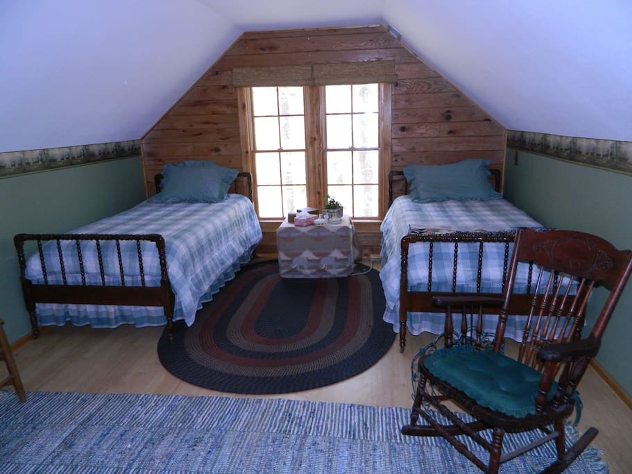 Two twin beds in Loft