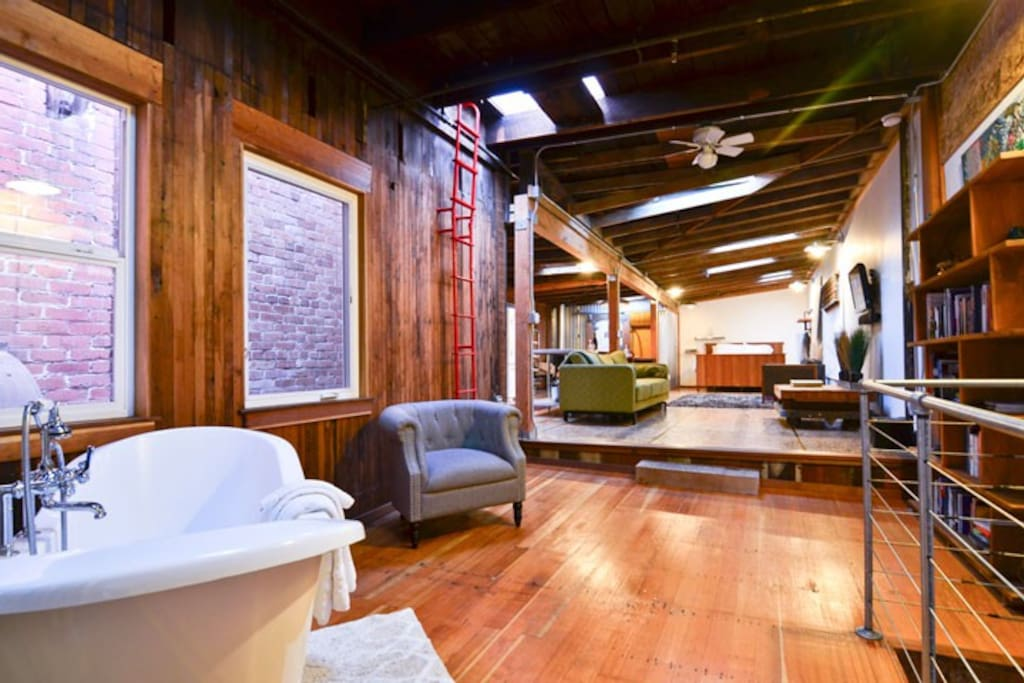 Coat shop loft in old town lofts for rent in eureka for Cabine eureka ca