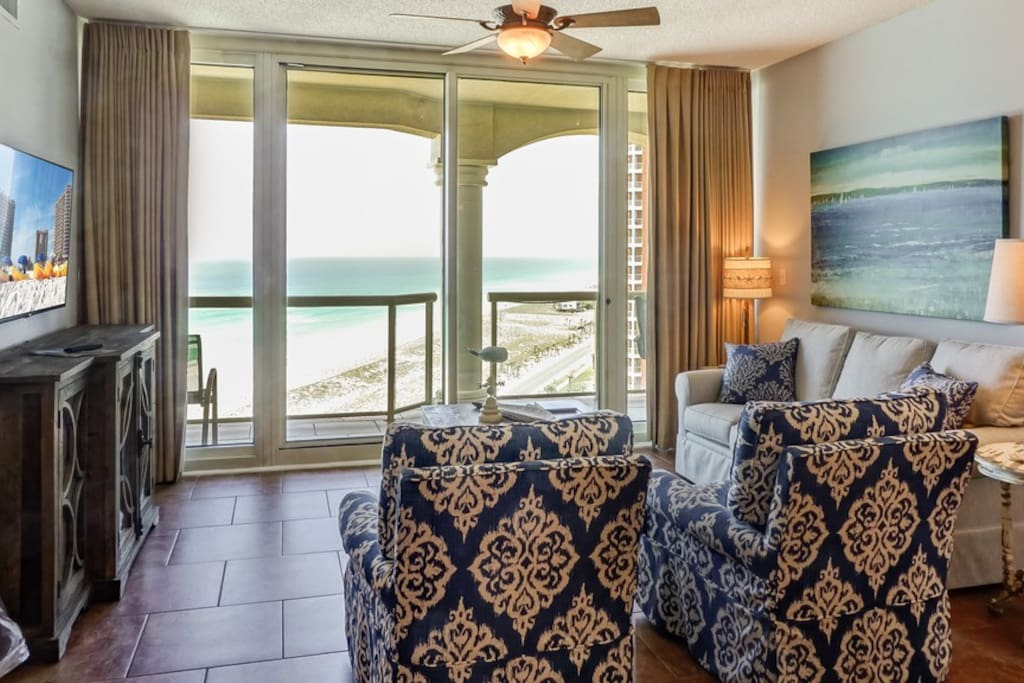 Spacious Living Area with view of the Gulf of Mexico