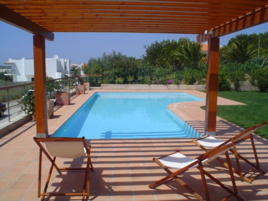 The pool and its pergola