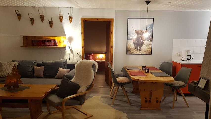 Newly renovated Enzian Chalet right on ski slope