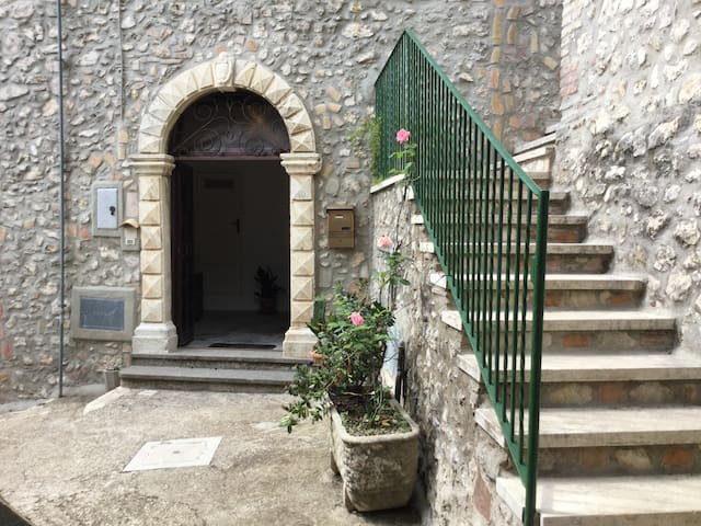 A Medieval holiday in central Italy - Serrone - Apartament