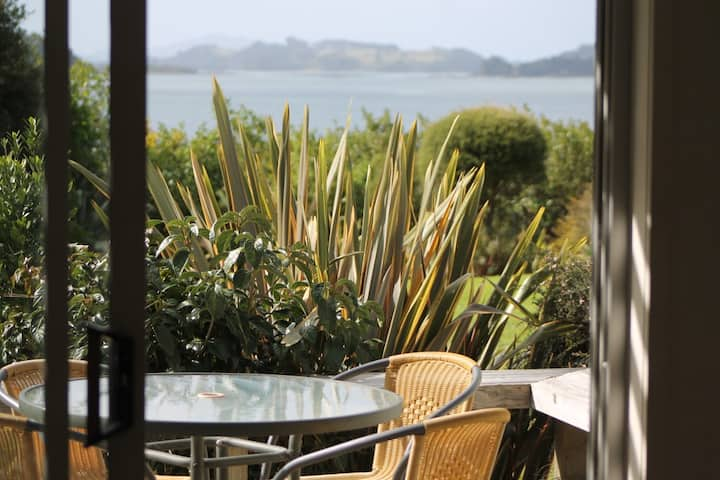 Aroha Island Kiwi Holiday Home