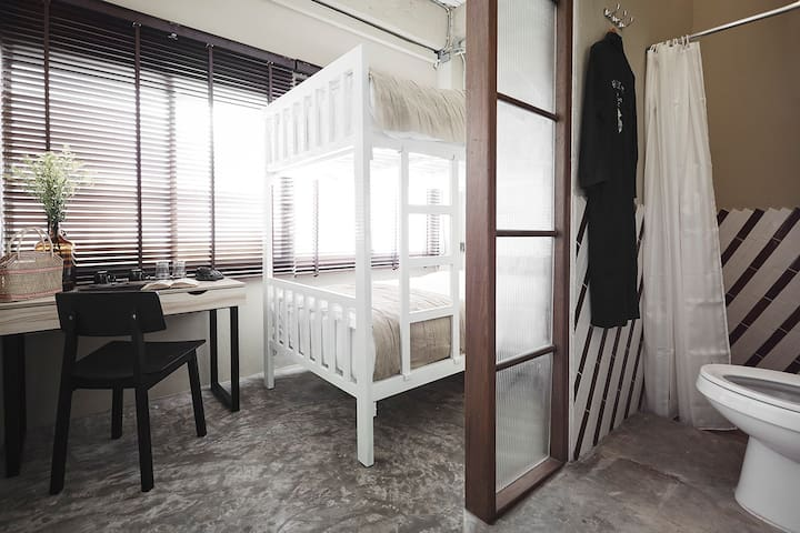 OB-OON Boutique Hotel 'Room No.1'