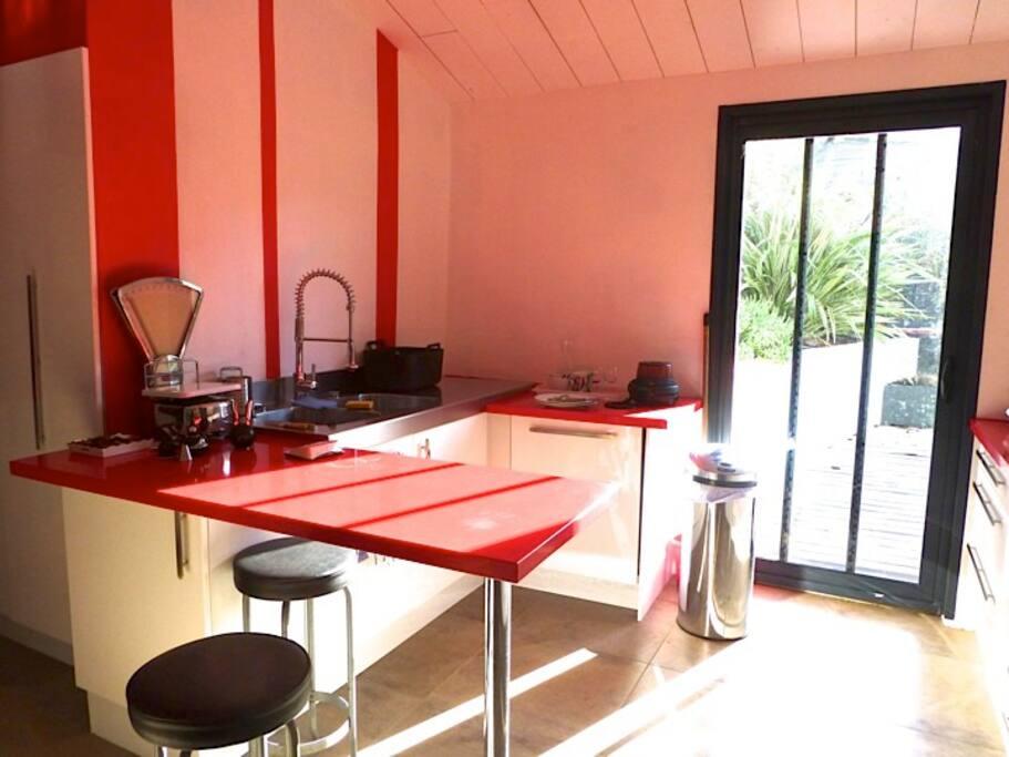 maison avec piscine chauff e saint martin de r. Black Bedroom Furniture Sets. Home Design Ideas