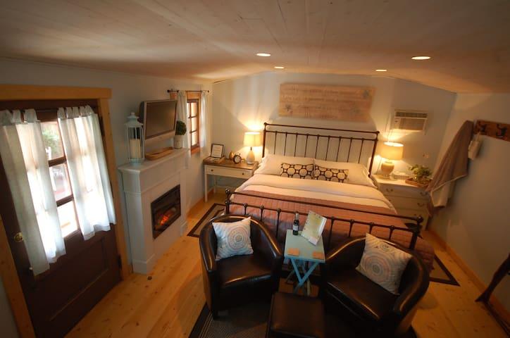 Charming Rustic Cabin - Penticton - Casa de campo