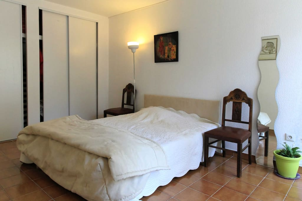 chambre agr able maisons louer montpellier languedoc roussillon france. Black Bedroom Furniture Sets. Home Design Ideas