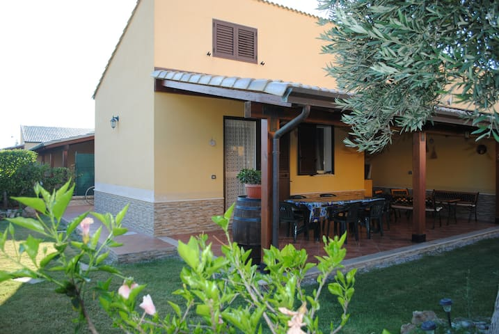 With garden, near the sea, pool - Campofelice di Roccella - Appartement