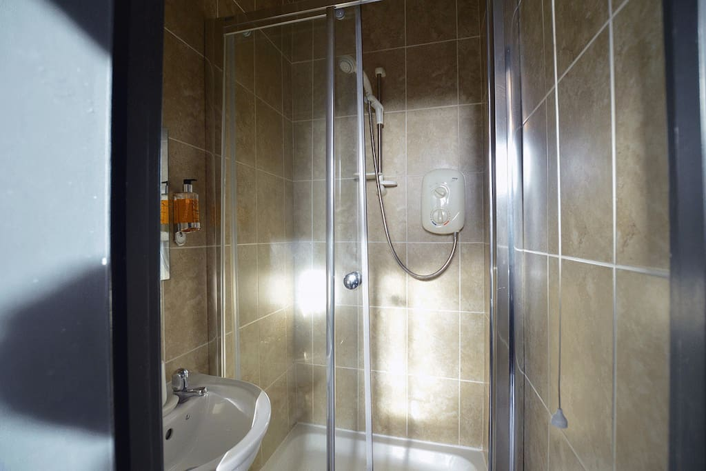Arboretum Suite  Ensuite Shower