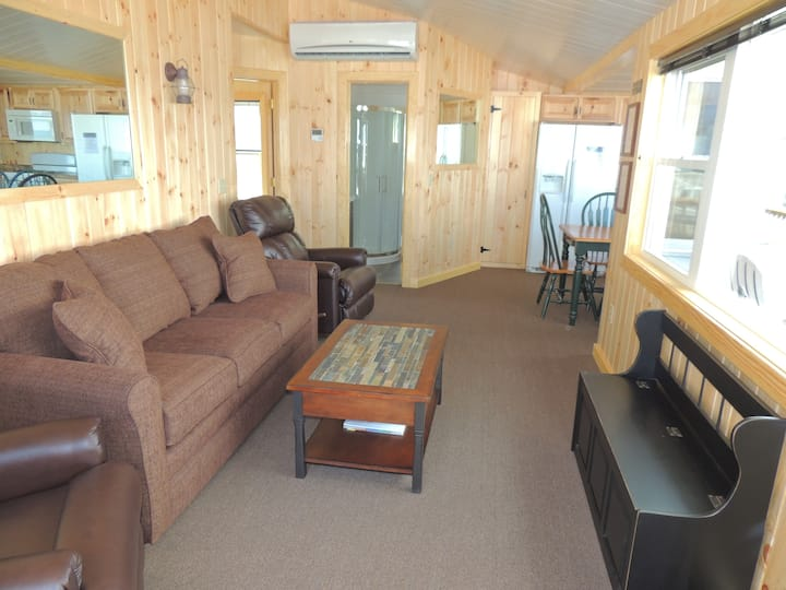 Cozy 3 bedroom cottage (#26)