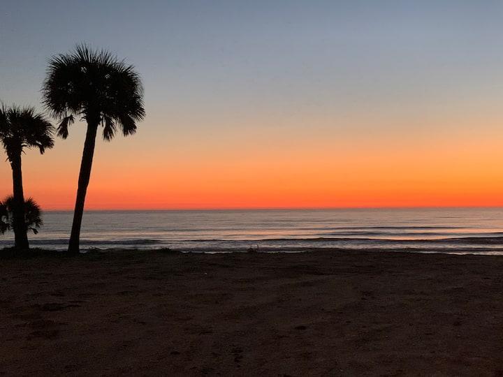 Shores' Beach Condo