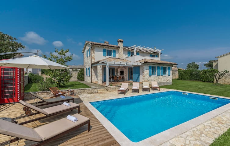 Villa Prima,  4 Bedroom, Private Pool and Sauna