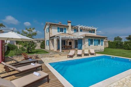 Villa Prima,  4 Bedroom, Private Pool and Sauna