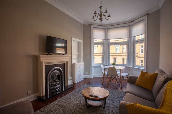 Bright and Fresh 2 Bedroom Apartment