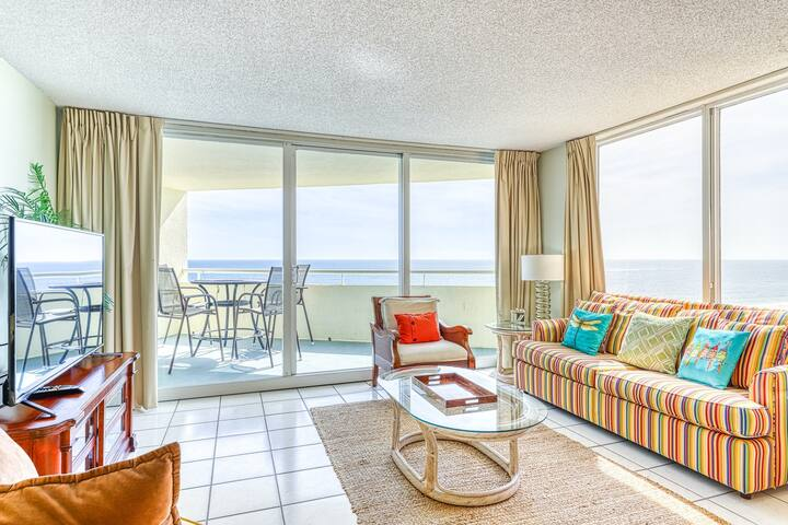 Cozy, Gulf Front Condo w/ Panoramic Views Of The Coast, Close To Dining