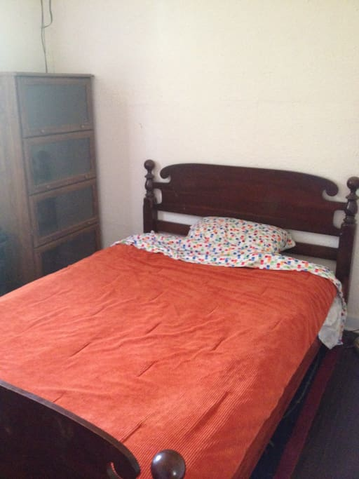 Double bed in the bedroom. Room is on the small side so that the main cabin has lots of space.