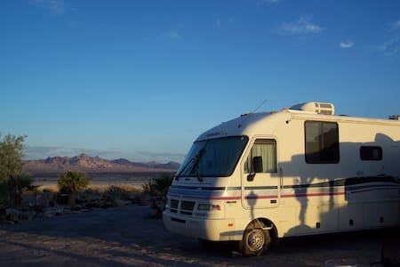 THE SECOND WIND Motorhome - Death Valley