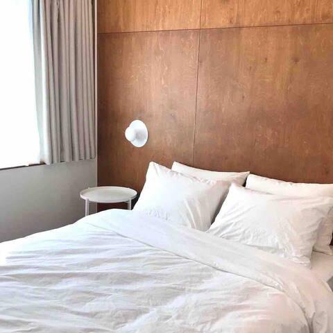 Ugro Apartment • 우그로 아파트먼트 301