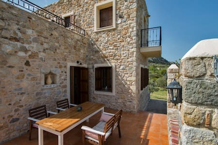VILLA LAGOUDI BEAUTIFUL STONE HOUSE - Kos - Villa