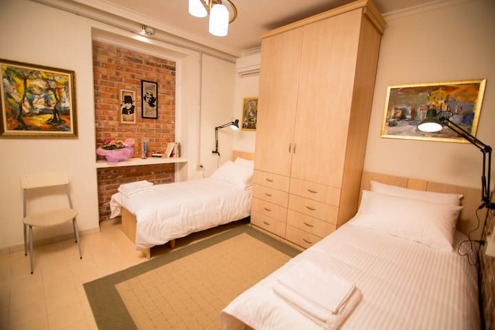 Cozy and Comfy room in Myslym Shyri - Tirana