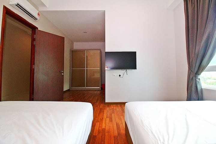 LUXURY 3 ROOMS SUITE IN GURNEY DRIVE_SPACIOUS - George Town - Lyxvåning