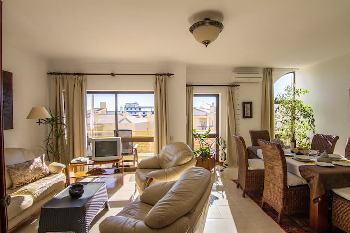 Apartment at 300m from the beach D. Ana in Lagos.