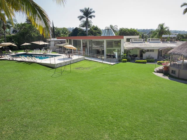 Ajustable price LuxuryGarden&GrandHome Cuernavaca.