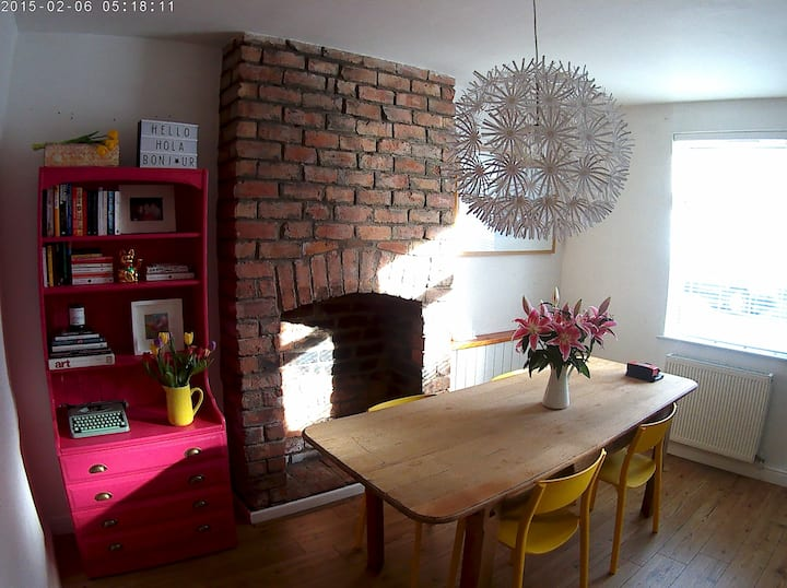 Funky 2 bed house perfect for Stadium Events