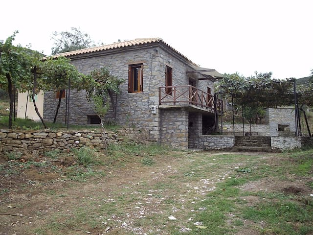 Mesolonghi Agrilia cottage - Αγριλιά - Casa
