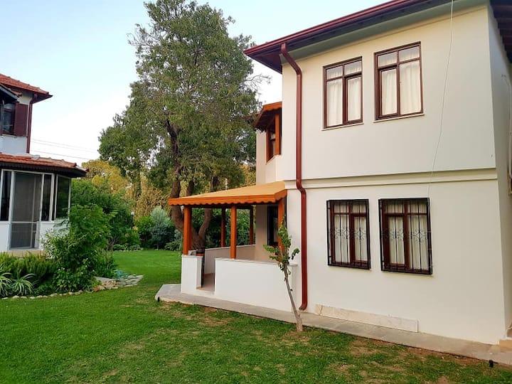 Datça Burgaz mevkii site içinde villa