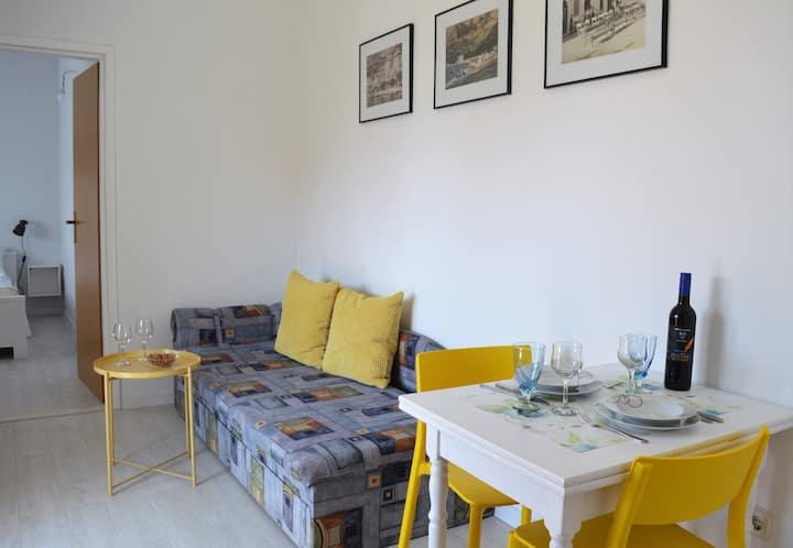 Sunny and Cozy Apartment Neva (2+1) Baska Voda
