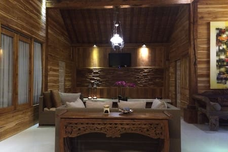 Joglo#5B Tradisional Room - Denpasar