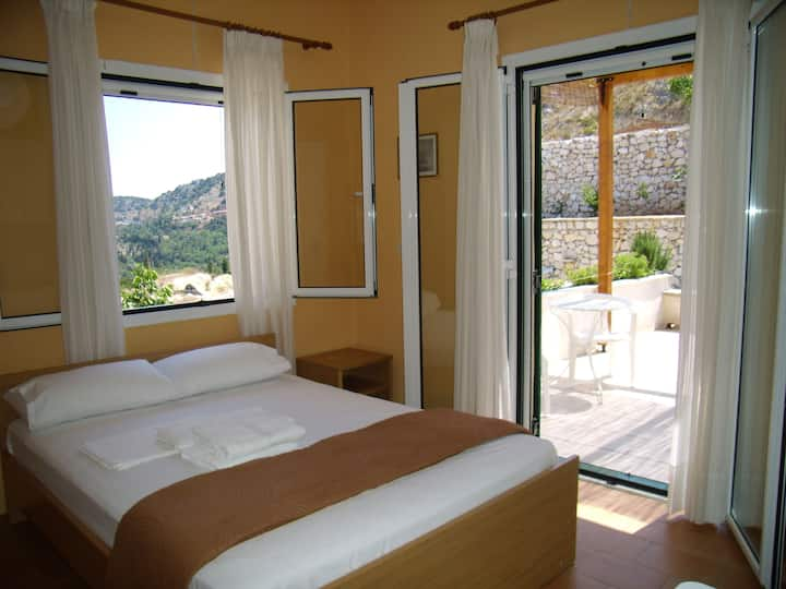 Zephyros double room .