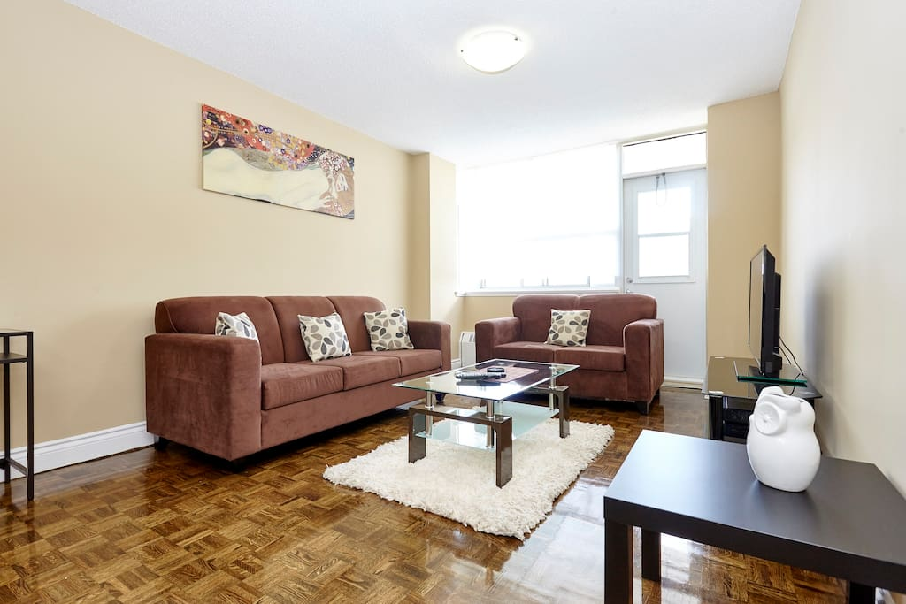 2 Bed 1 Bath Penthouse YONGE EGLINTON 03019 Apartments For Rent In
