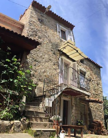 Traditional Corsican stonehouse - Peri - Casa