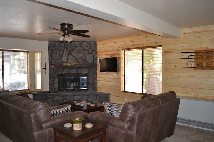 Gorgeous 2 story 2bd 2ba condo! - Pinetop-Lakeside - Apartment