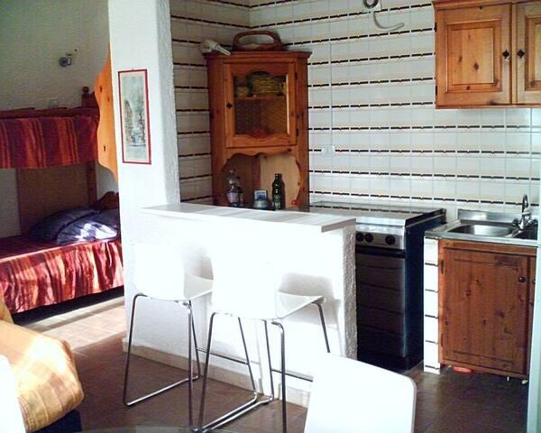 Cucina-angolo cottura con bancone