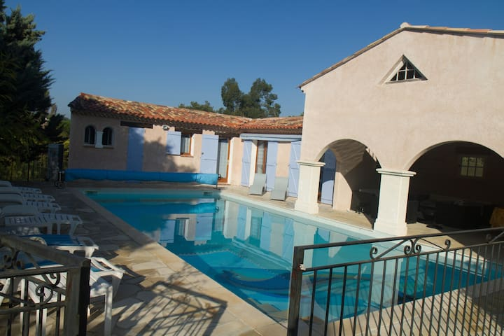 Relaxing roomy Provence pool house - Rocbaron - Huis