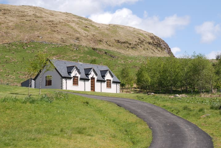 Cottage at Ballimore Farm - Kilchrenan - Casa
