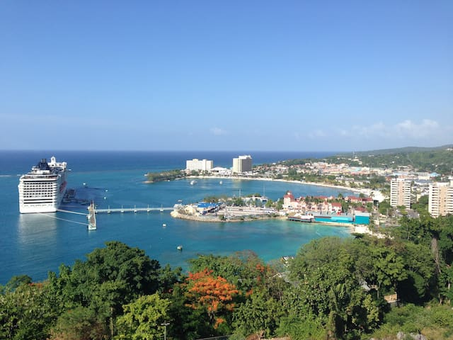 PENTHOUSE ON THE RIDGE - OCHO RIOS - Ocho Rios - Társasház