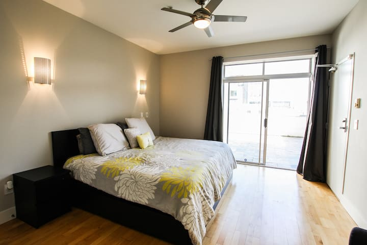 SOMA - Market St - 1BED - 1 BATH with Parking