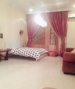 Spacious room in the villa - Doha - Vila
