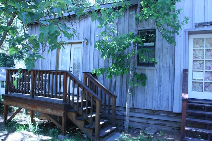 Separate cottage on organic farm - Nevada City - Chalet