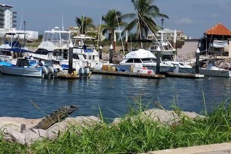 Vida en la Marina departamento - Mazatlán - Apartament