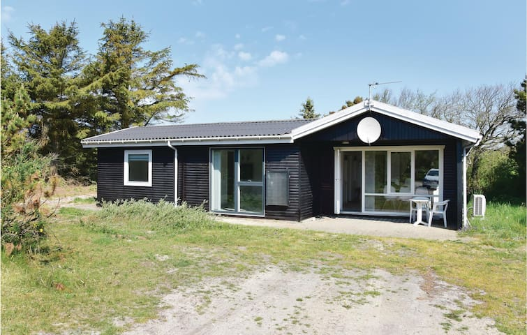 Holiday cottage with 2 bedrooms on 76m² in Ringkøbing