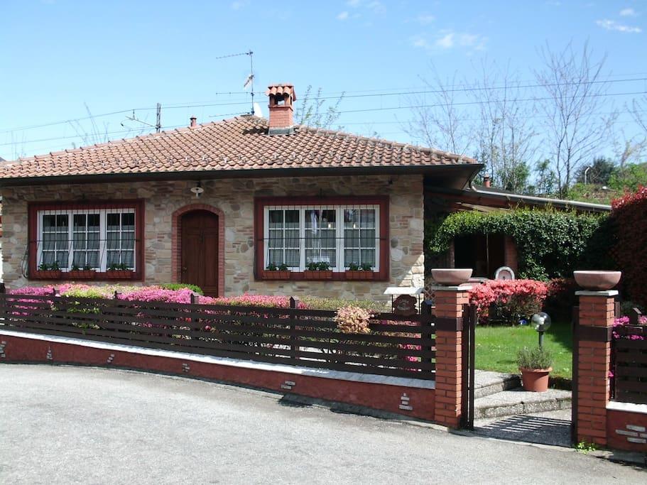 Romantic cottage lake and mountains pernottamento e for Planimetrie di cottage di vacanza