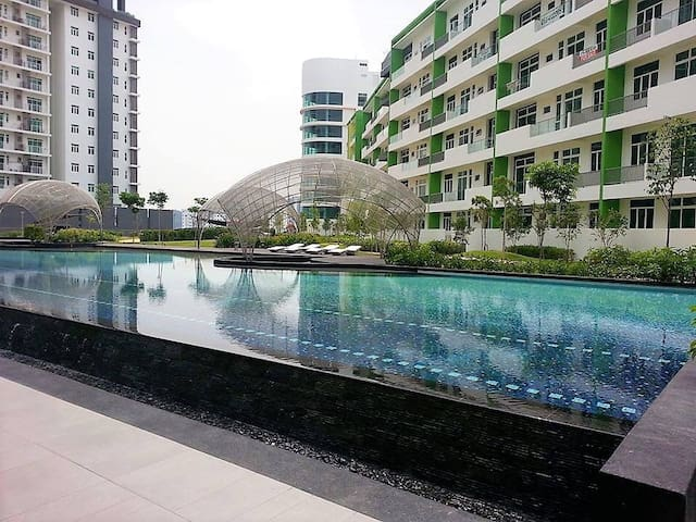 Brand New Low Density Branded Condo - Penang  - (ไม่ทราบ)