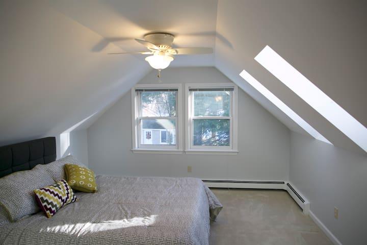 Bedroom 2 - Queen Size